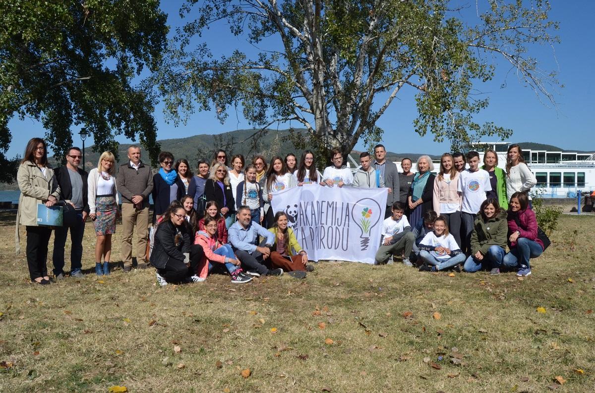 Učesnici WWF Akademije za prirodu u poseti Nacionalnom parku Đerdap